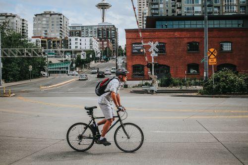 hybrid bike under $1,000 review