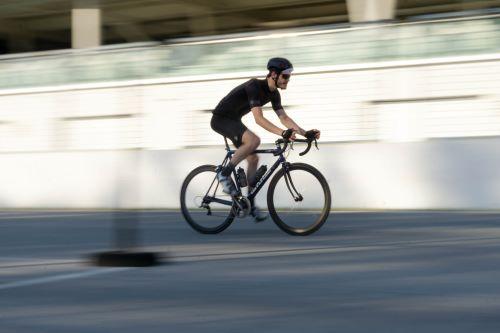 hybrid bike under $2000 review